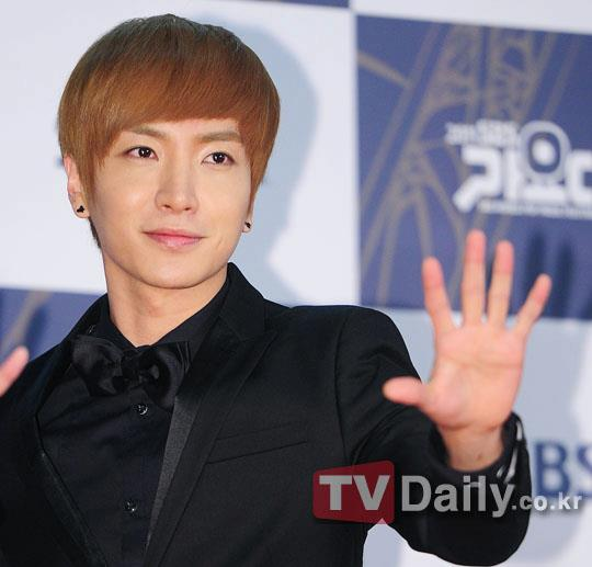 http://shinningsuju.files.wordpress.com/2011/12/294.jpg