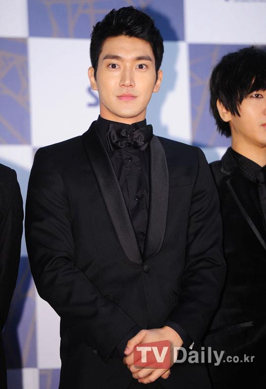 http://shinningsuju.files.wordpress.com/2011/12/295.jpg