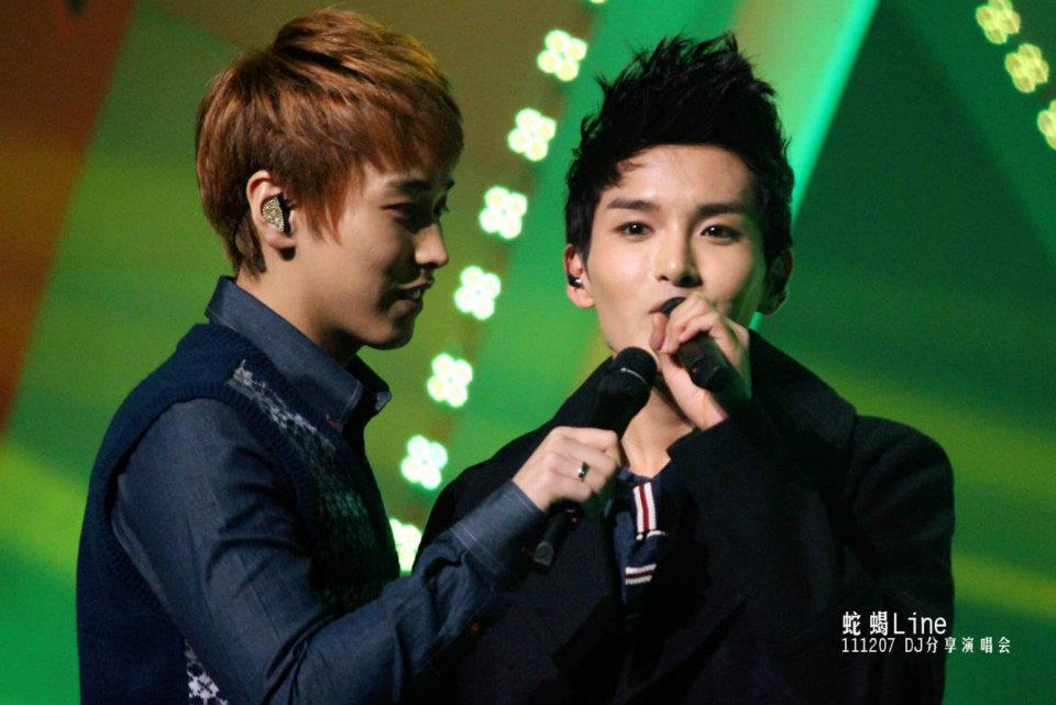 http://shinningsuju.files.wordpress.com/2011/12/313.jpg