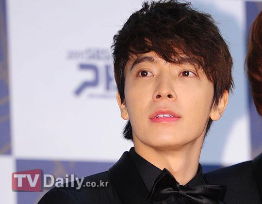 http://shinningsuju.files.wordpress.com/2011/12/812.jpg