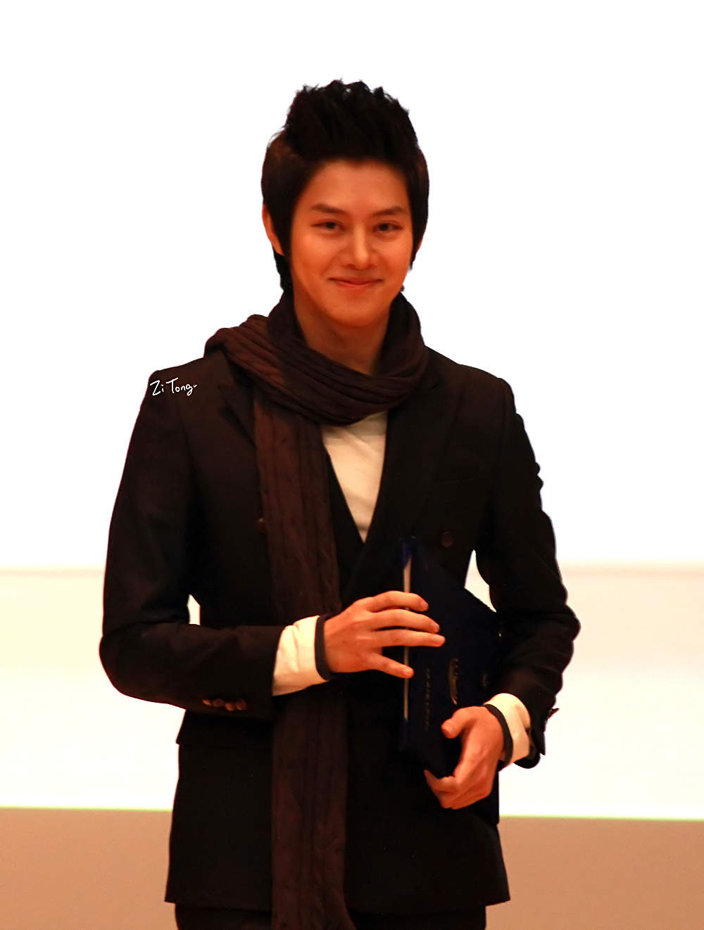 http://shinningsuju.files.wordpress.com/2012/01/h6.jpg