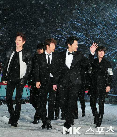 http://shinningsuju.files.wordpress.com/2012/02/6.jpg