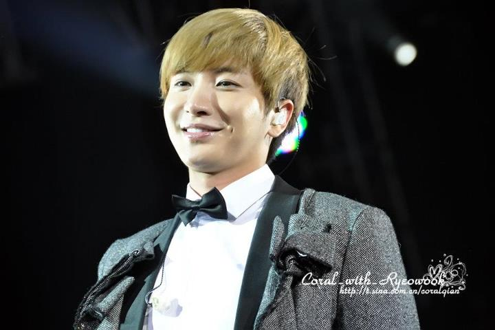 http://shinningsuju.files.wordpress.com/2012/04/1014.jpg