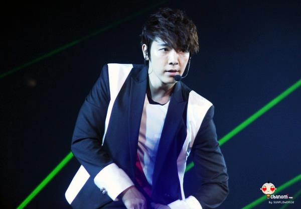 http://shinningsuju.files.wordpress.com/2012/04/1015.jpg