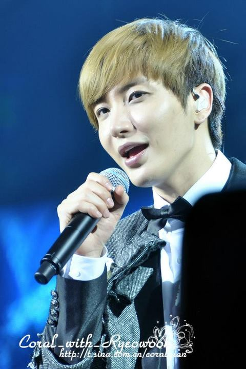 http://shinningsuju.files.wordpress.com/2012/04/1226.jpg