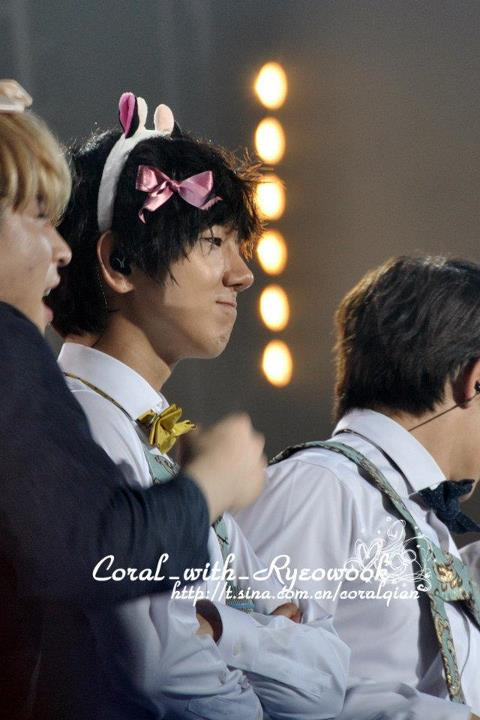 http://shinningsuju.files.wordpress.com/2012/04/1413.jpg