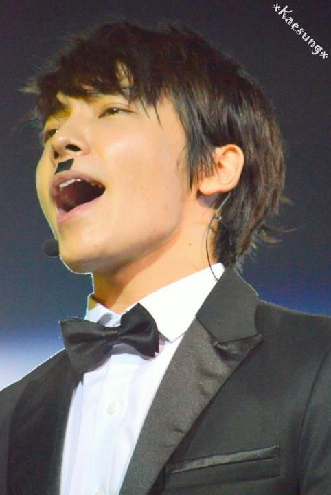 http://shinningsuju.files.wordpress.com/2012/04/819.jpg