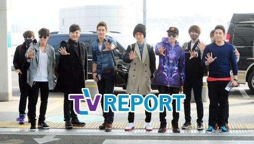 130308-super-junior-at-incheon-airport-to-jakarta-1
