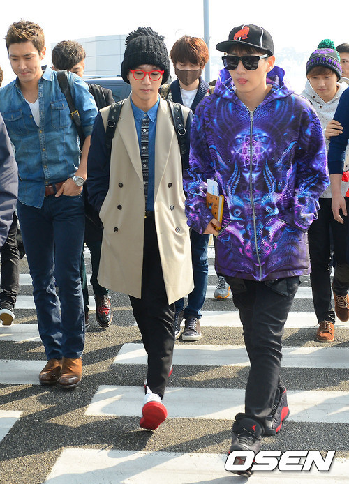 130308-super-junior-at-incheon-airport-to-jakarta-17