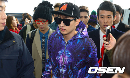 130308-super-junior-at-incheon-airport-to-jakarta-18
