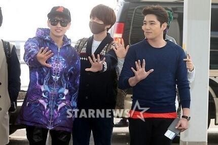 130308-super-junior-at-incheon-airport-to-jakarta-25