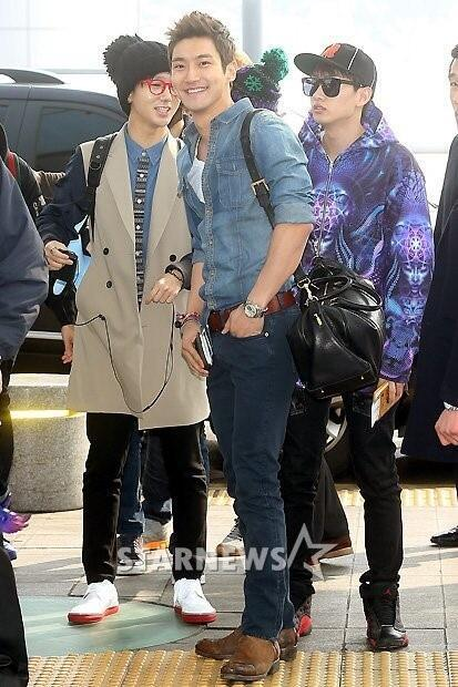 130308-super-junior-at-incheon-airport-to-jakarta-27