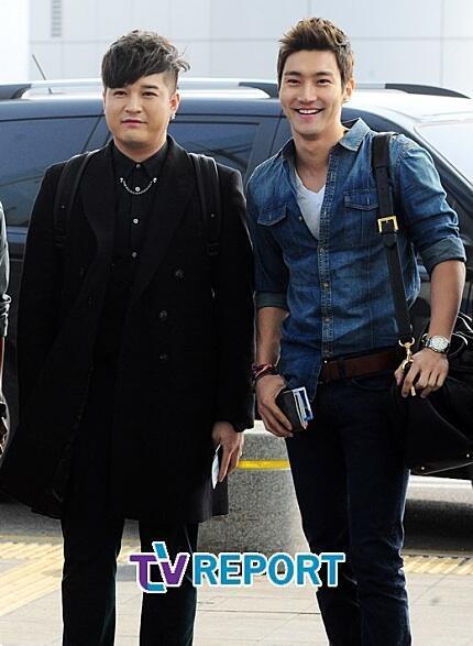 130308-super-junior-at-incheon-airport-to-jakarta-34
