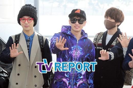 130308-super-junior-at-incheon-airport-to-jakarta-35