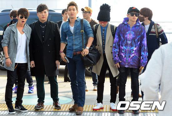 130308-super-junior-at-incheon-airport-to-jakarta-9