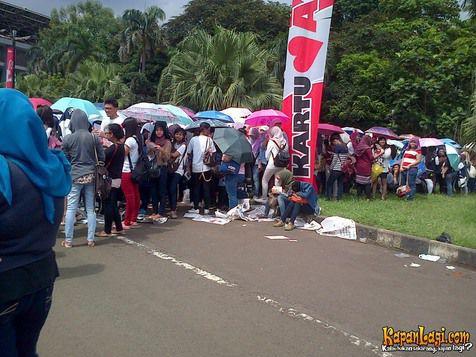 fans_music_bank_jakarta-20130309-001-kapanlagi