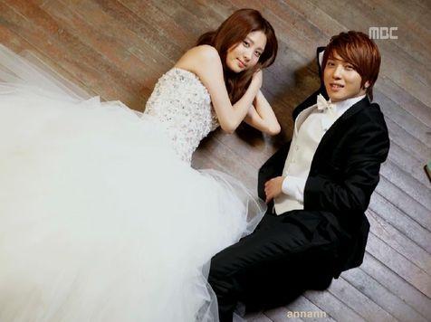 Seohyun-Yonghwa-Wedding-Dress-6